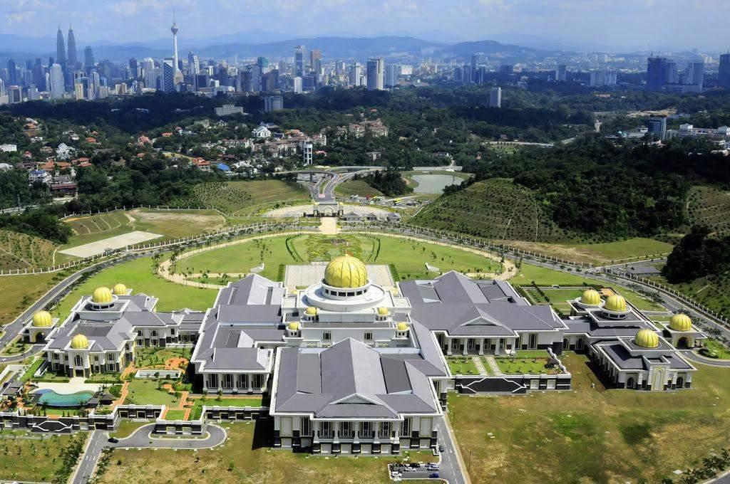 Kết quả hình ảnh cho Istana Nurul Iman Palace