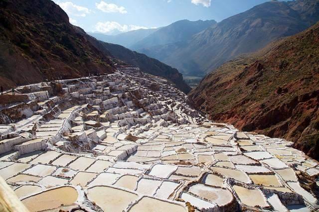 salt mines   salinas de maras peru tripfreakz