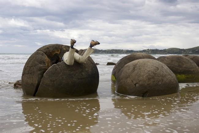 Mysterious places visit moeraki boulders new zealand location on